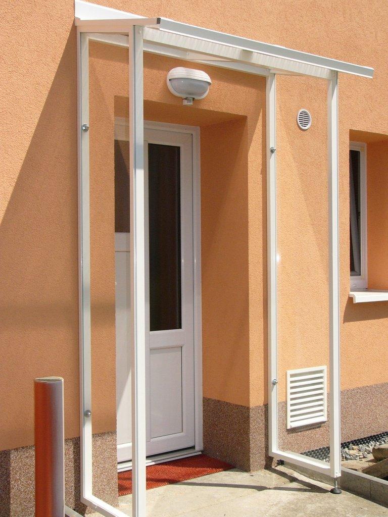 Ochrana dveří do domu